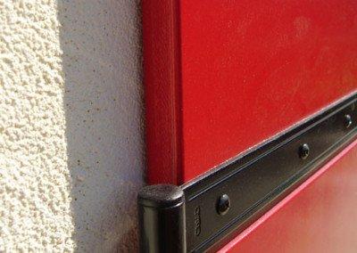 Dettaglio scuro in legno rosso