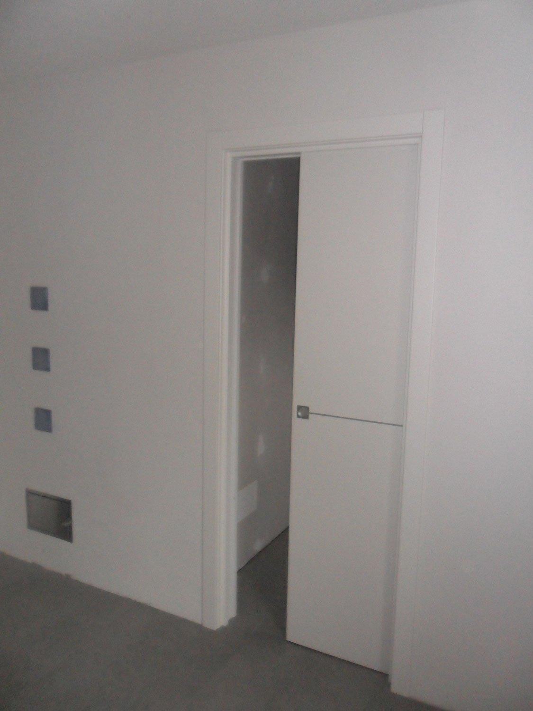 Porta interna scorrevole lesizza serramenti - Porta scorrevole interna ...