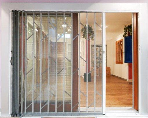 Grata di sicurezza con zanzariera integrata lesizza - Zanzariera porta finestra ...